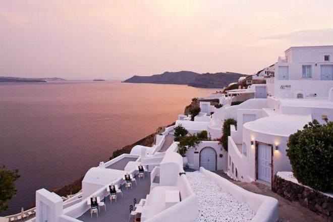 5canaves-oia-exterior
